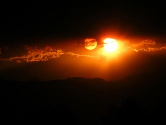 Nubiru Setting with sun
